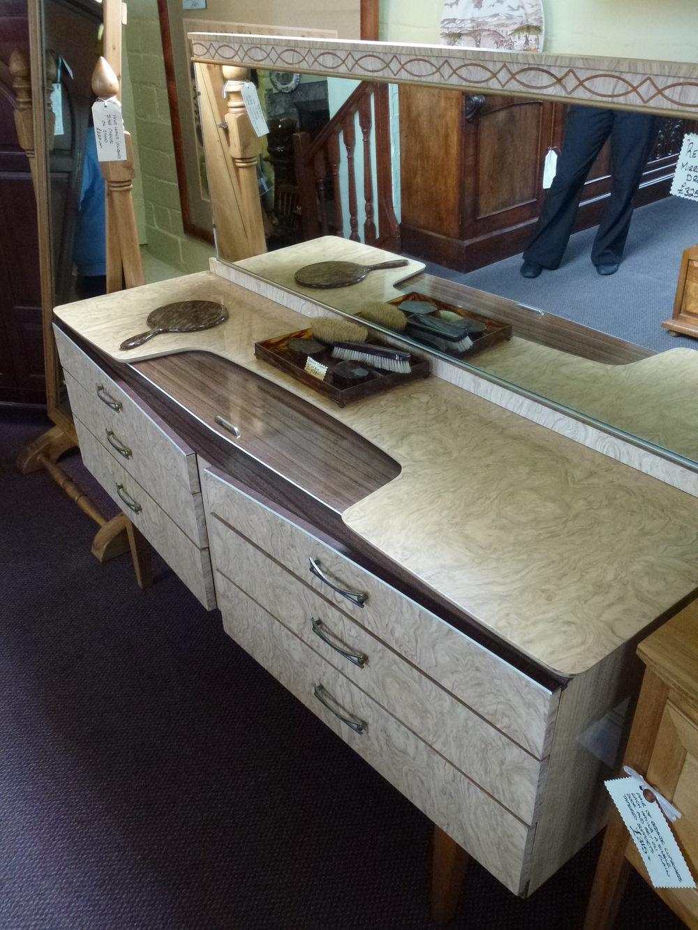 Antiques atlas retro mirror back dressing table for Retro dressing table