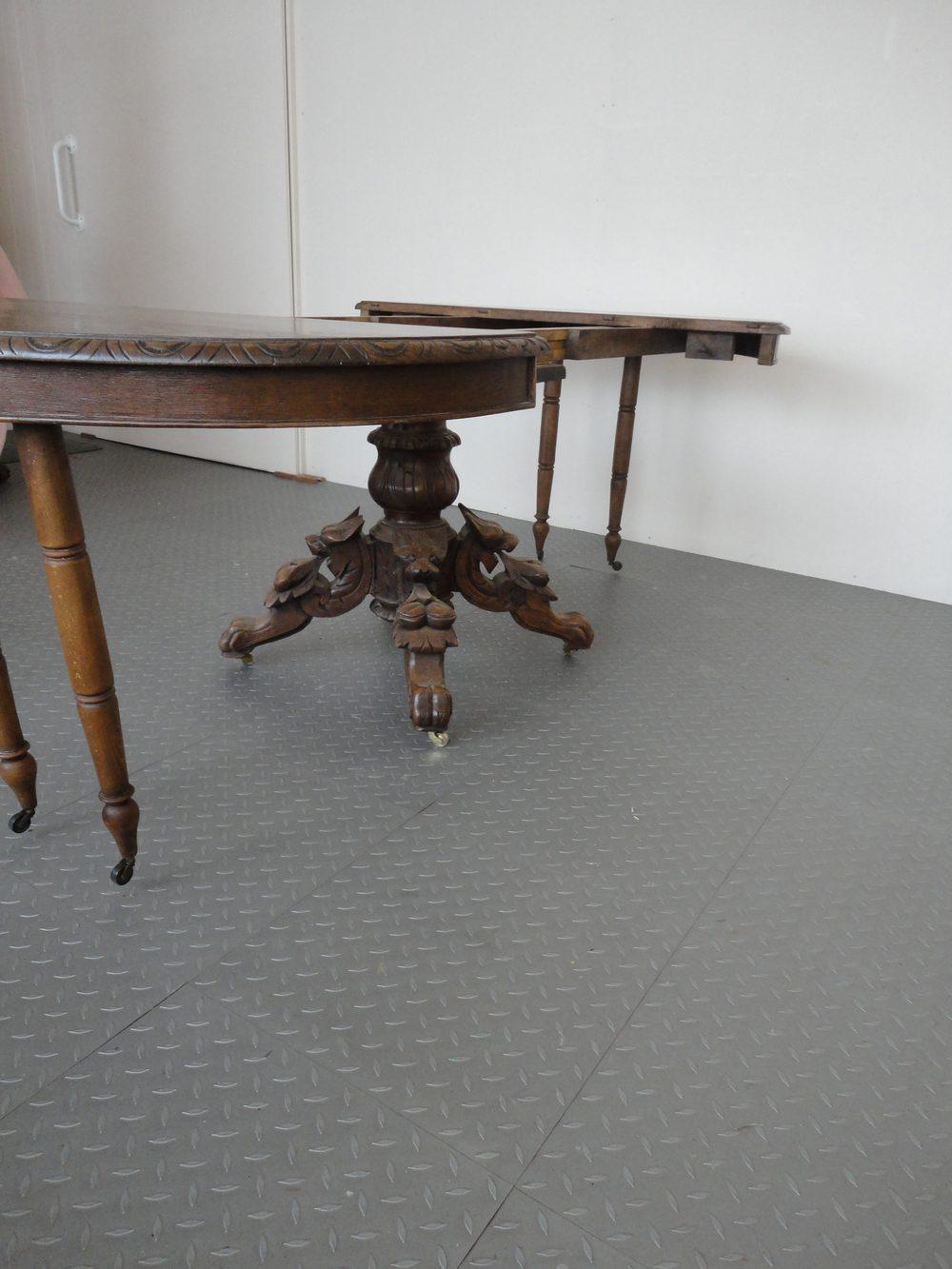 Oak extending dining table antiques atlas for Oak extending dining table