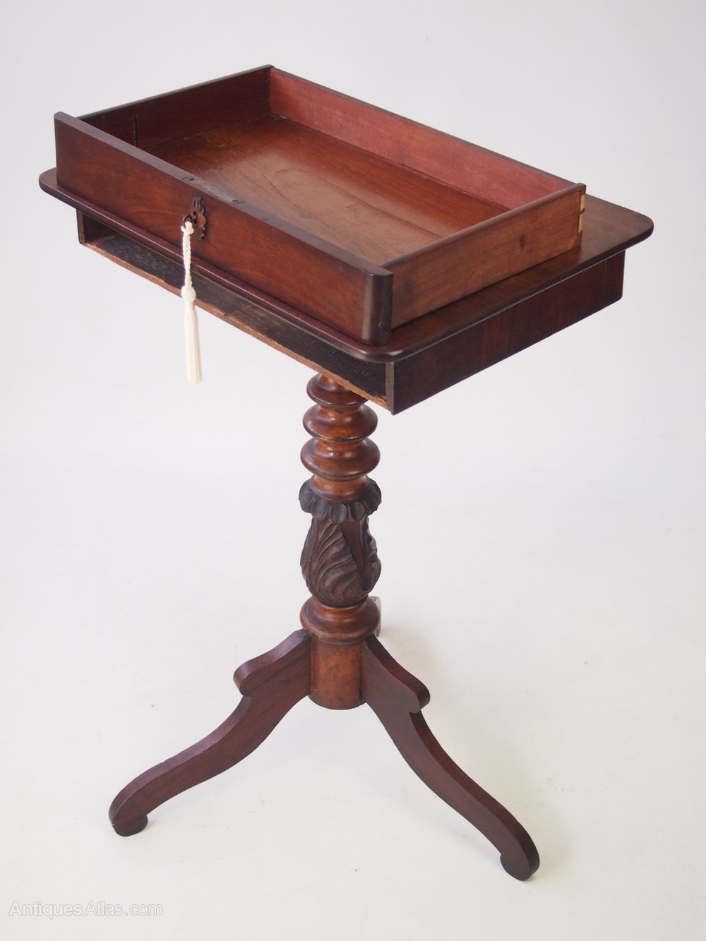 antique mahogany tripod table with drawer antiques atlas. Black Bedroom Furniture Sets. Home Design Ideas