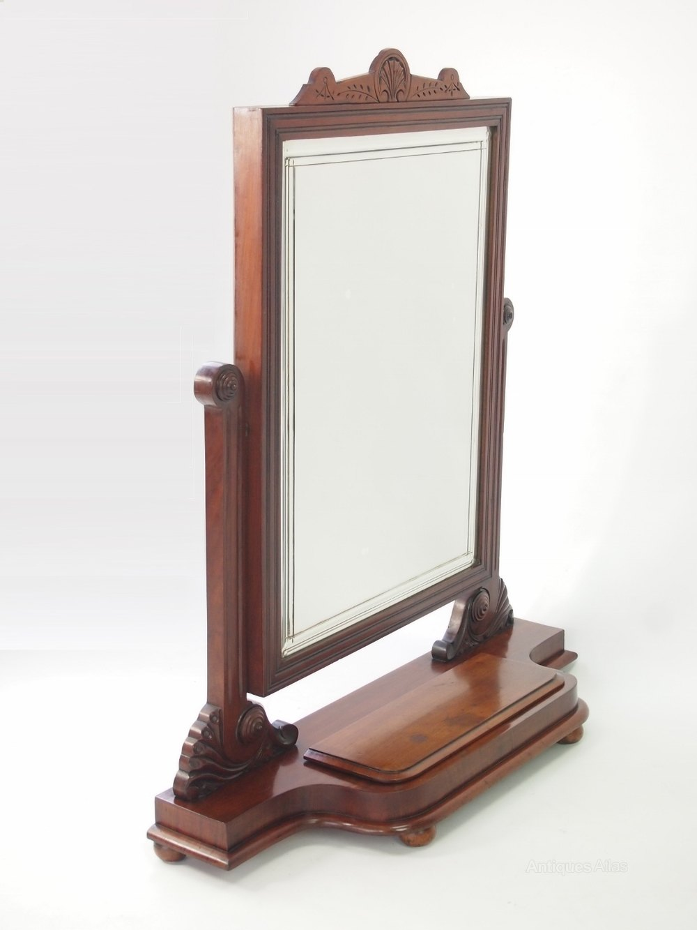 Antiques atlas large victorian mahogany dressing table mirror for Dressing mirror