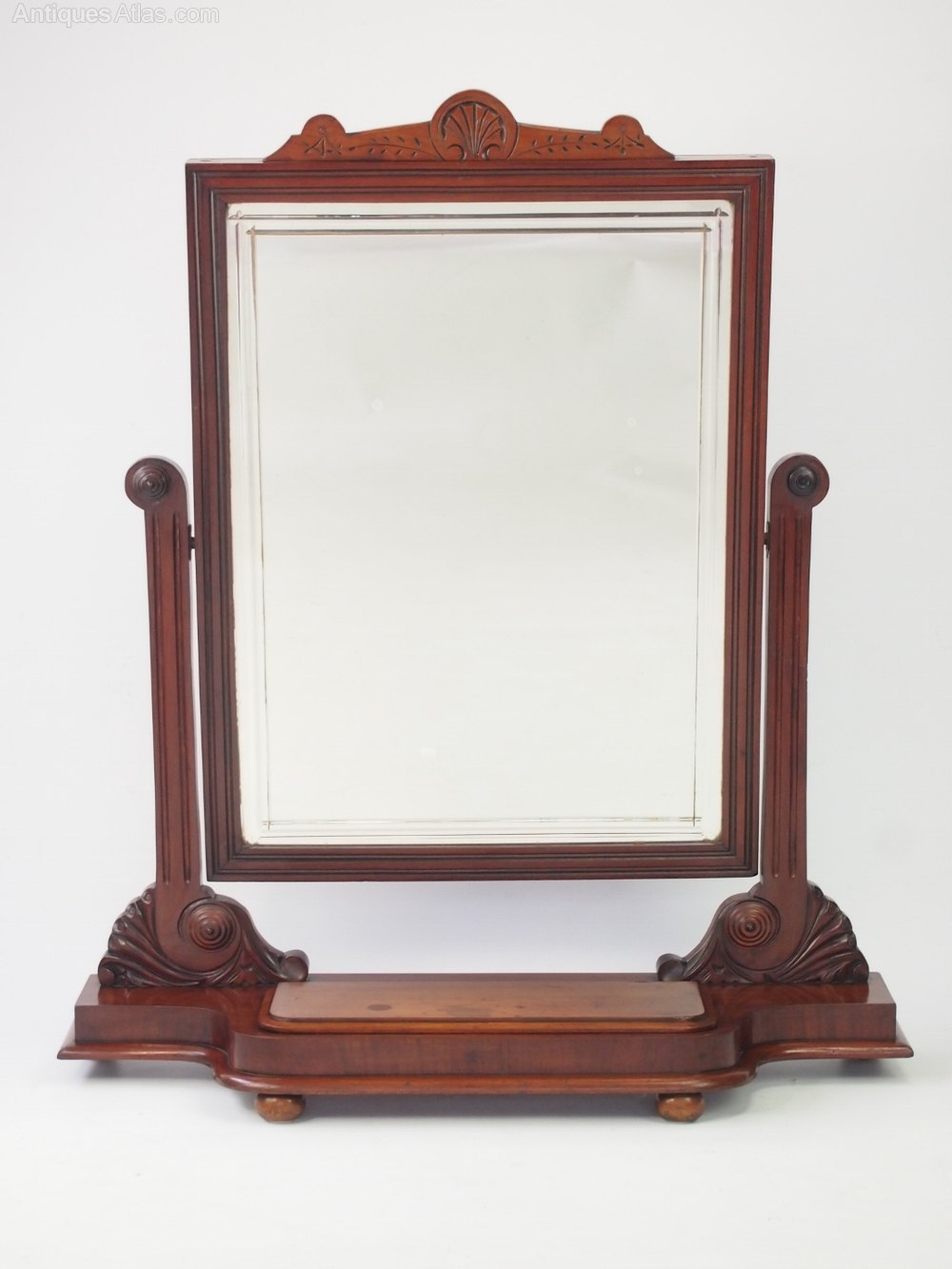 Antiques atlas large victorian mahogany dressing table for Victorian mirror