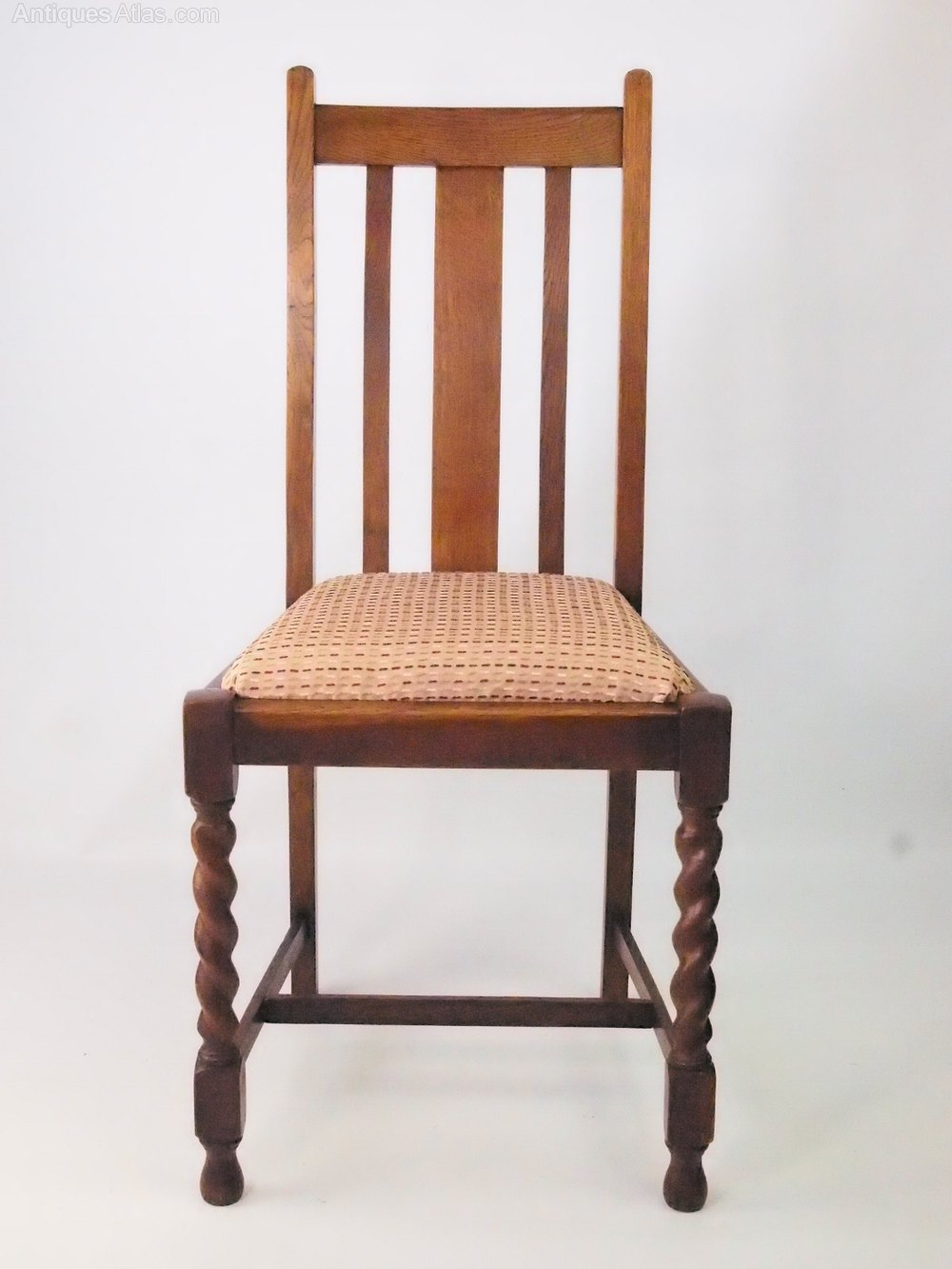 Set 4 vintage oak dining chairs circa 1920s antiques atlas for Oak dining chairs