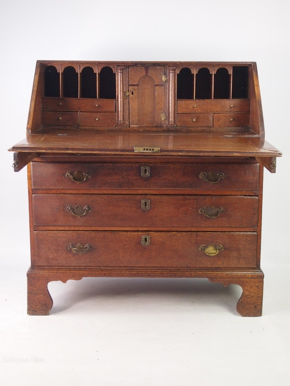 Small antique georgian oak bureau antiques atlas for Bureau antique