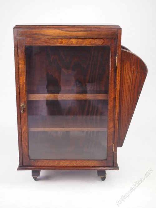 Small Vintage Oak Bookcase Display Cabinet Antiques Atlas