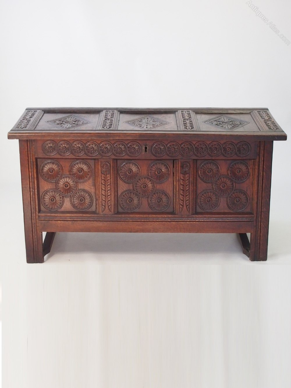 William mary carved oak coffer circa 1690 antiques atlas for Vintage furniture dealers