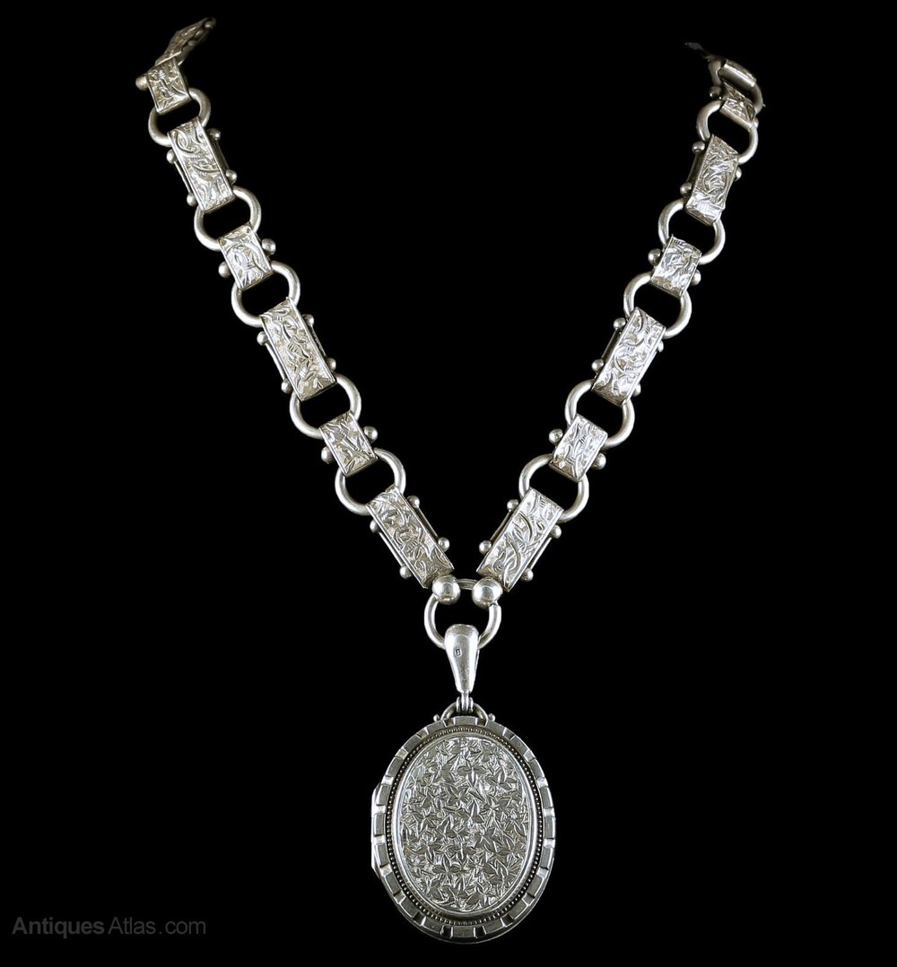 Antiques Atlas - Antique Victorian Locket Necklace ...