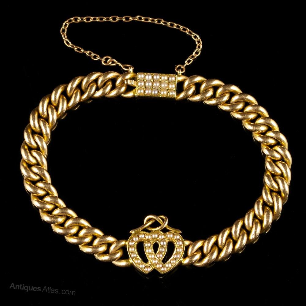 That's vintage heart bracelet very very