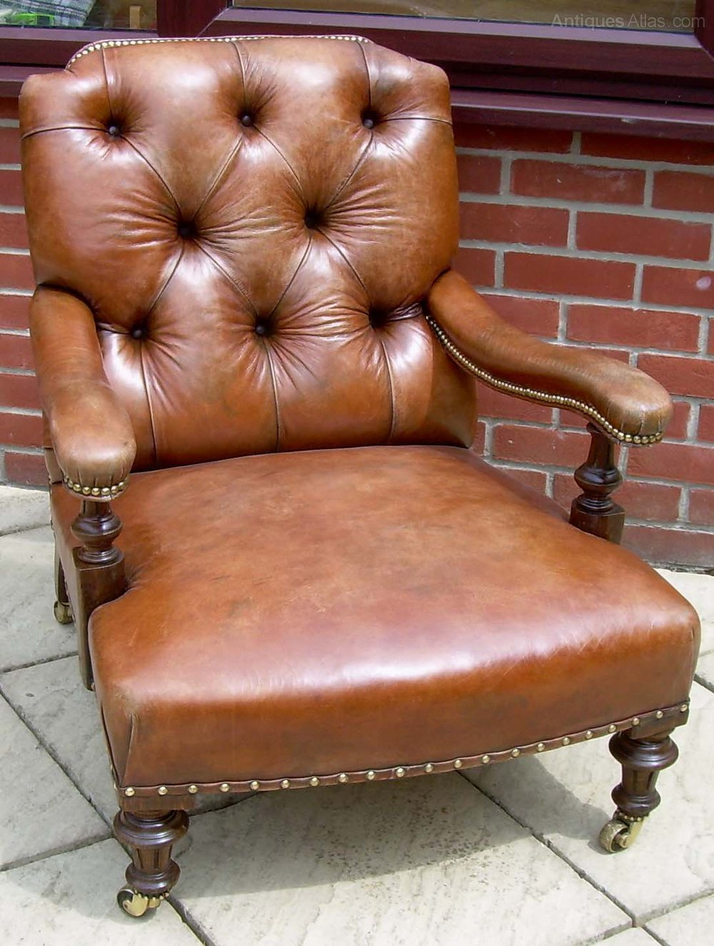 A Victorian Leather Armchair - Antiques Atlas