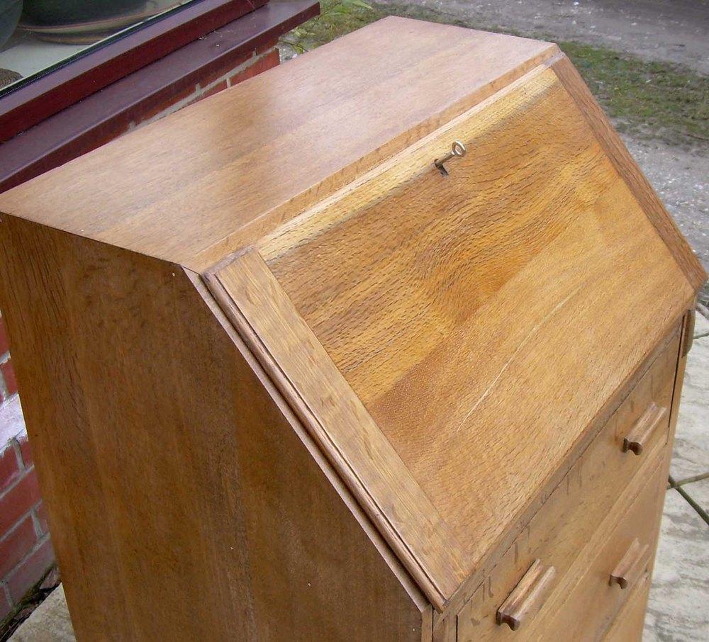 a golden oak art deco bureau antiques atlas. Black Bedroom Furniture Sets. Home Design Ideas