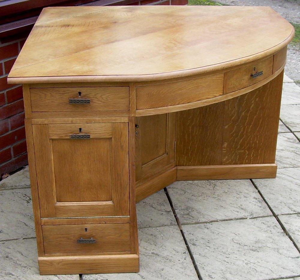 A Golden Oak Corner Desk Antiques Atlas
