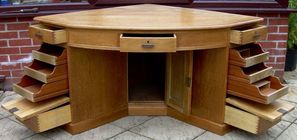 A Large Golden Oak Corner Desk Antiques Atlas