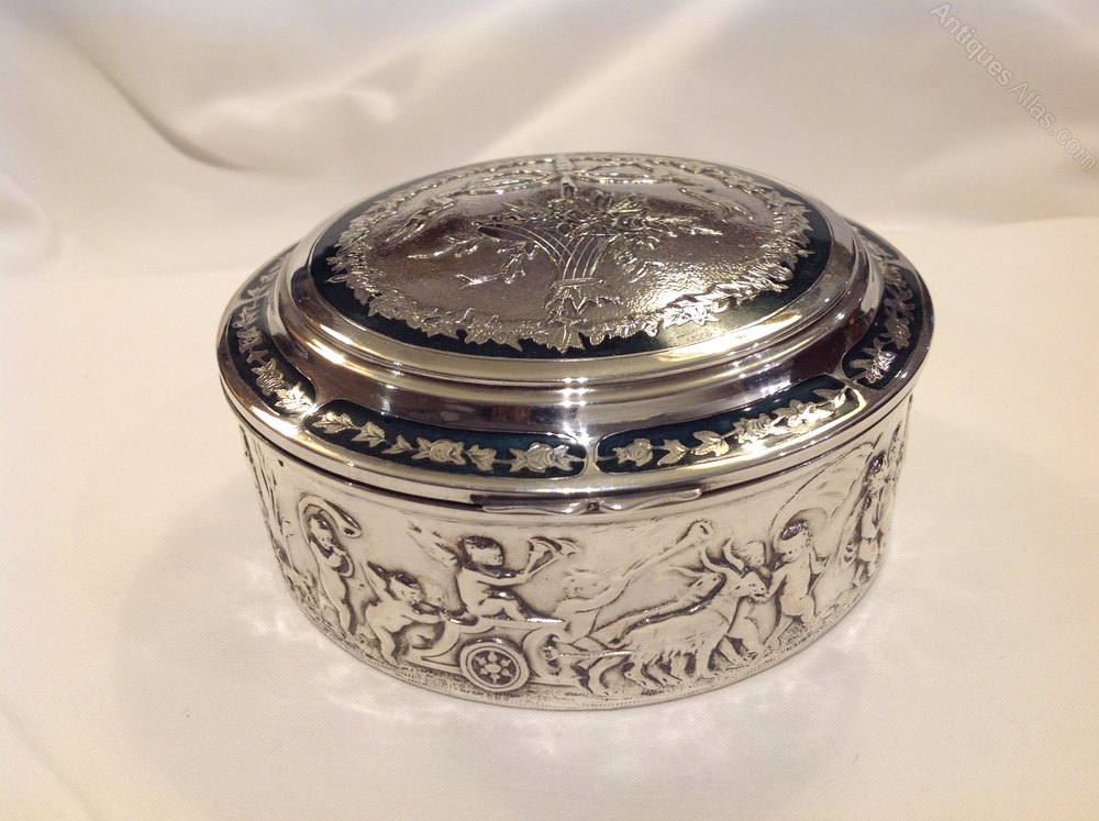 antiques atlas french silver box. Black Bedroom Furniture Sets. Home Design Ideas