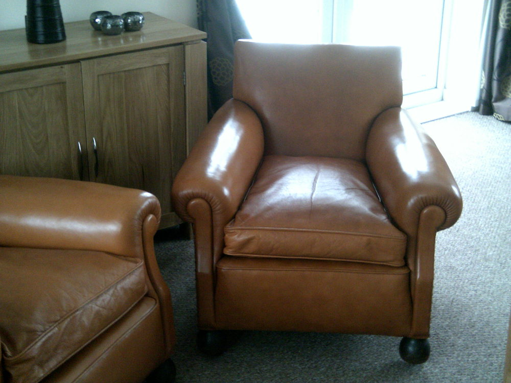 Pair Of Art Deco Leather Club Chairs Antiques Atlas