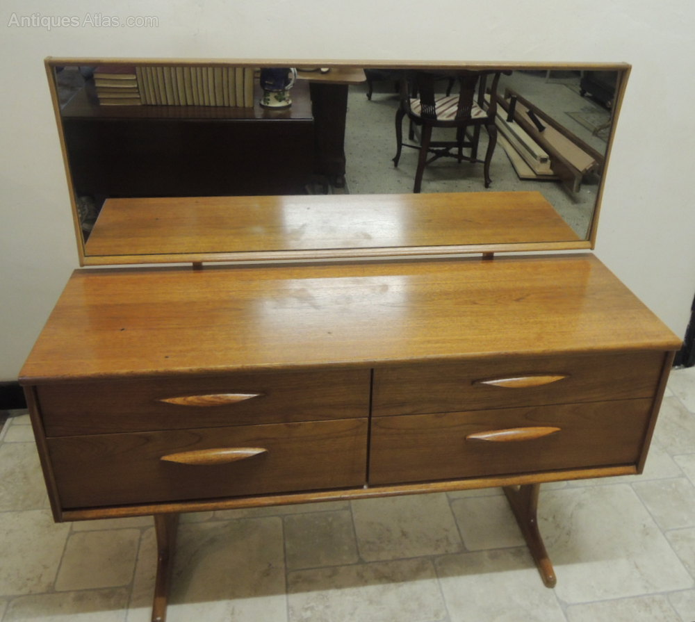 Antiques atlas austinsuite retro sideboard dressing table for Retro dressing table