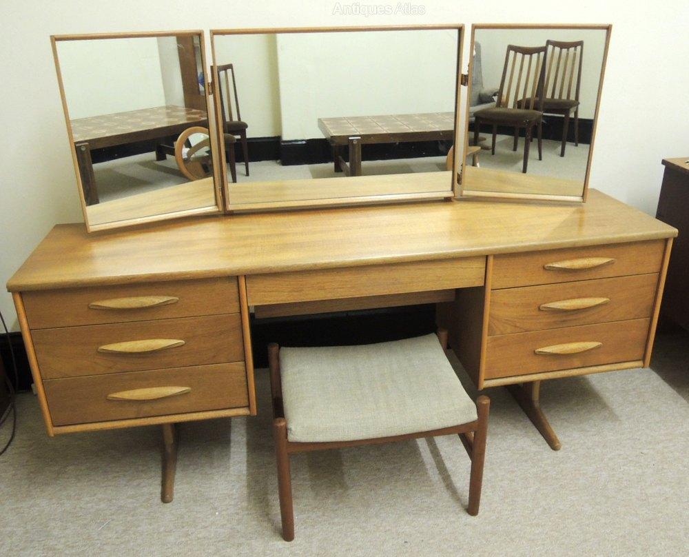 Antiques atlas retro austinsuite dressing table for Retro dressing table