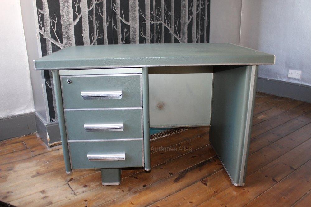 1950s Vintage Industrial metal desk Vintage Industrial Furniture and  Storage ... - Antiques Atlas - 1950's Vintage Industrial Metal Desk