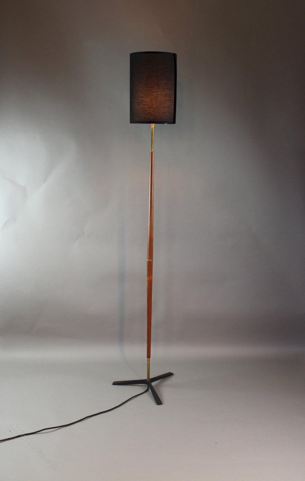 ^ ntiques tlas - 1950's Mid-century Modern eak & Brass Floor Lamp