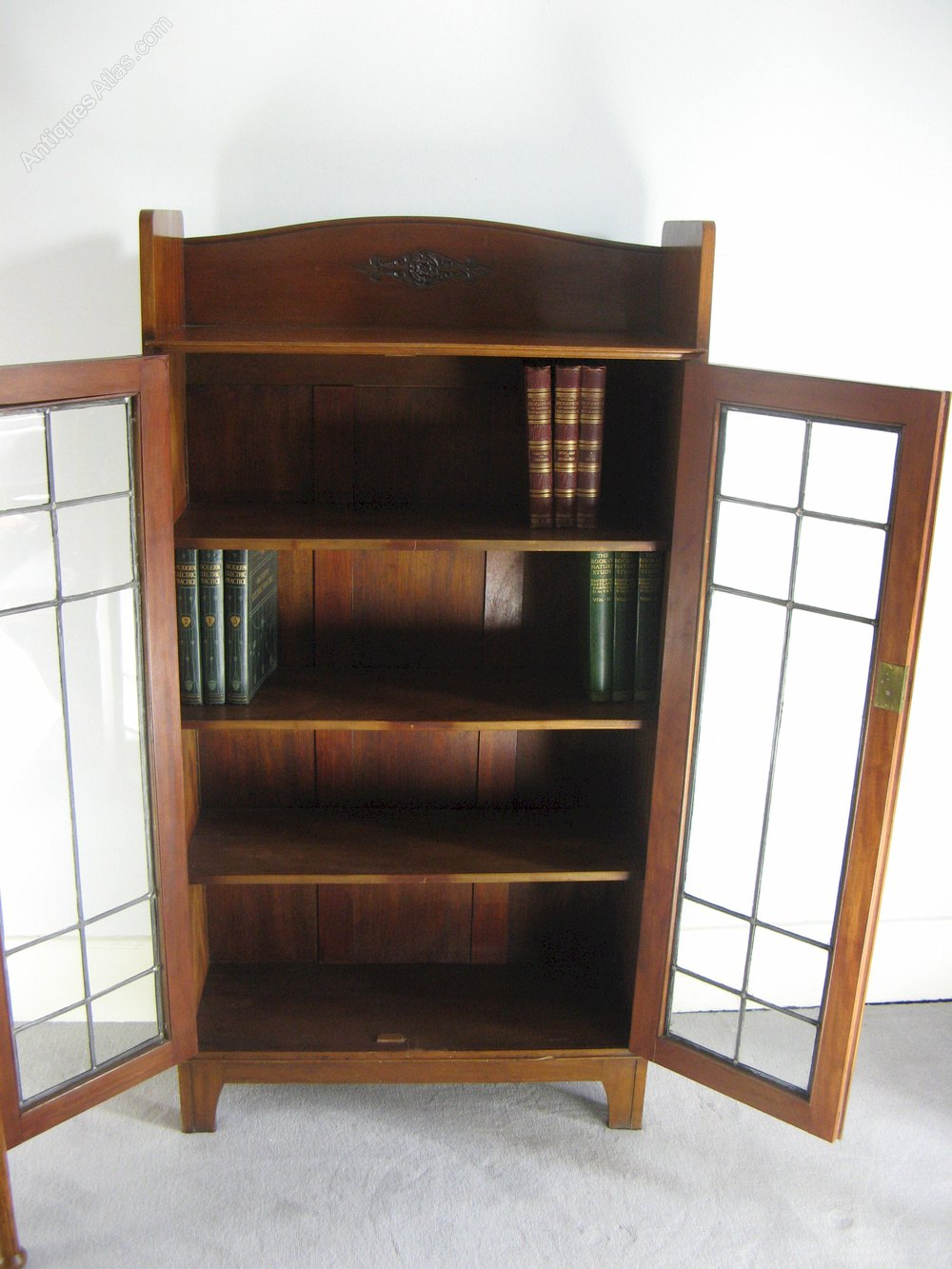 Arts and crafts bookcase by arthur simpson antiques atlas for Arts and crafts bookshelf