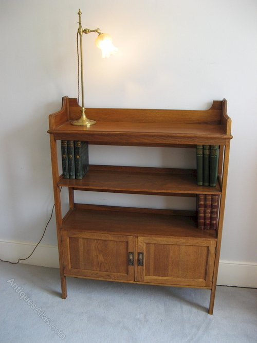 Arts and crafts bookshelf by harris lebus antiques atlas for Arts and crafts bookshelf
