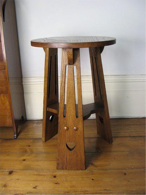 arts and crafts lamp table antiques atlas. Black Bedroom Furniture Sets. Home Design Ideas