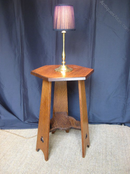 Arts and crafts oak lamp table antiques atlas for Oak lamp table 60cm high