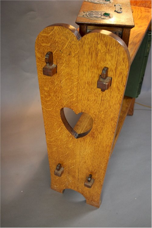 Arts And Crafts Pegged Heart Cut Out Side Book Table