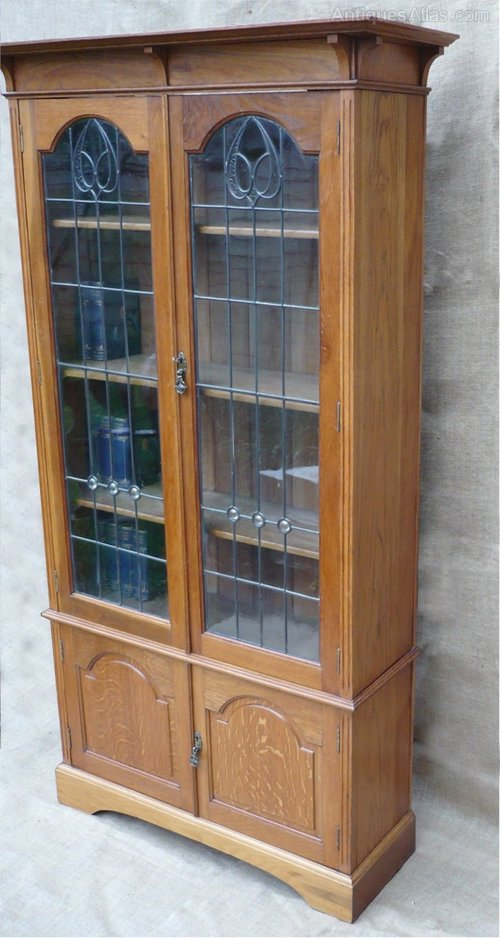 arts and crafts bookcase in golden oak antiques atlas