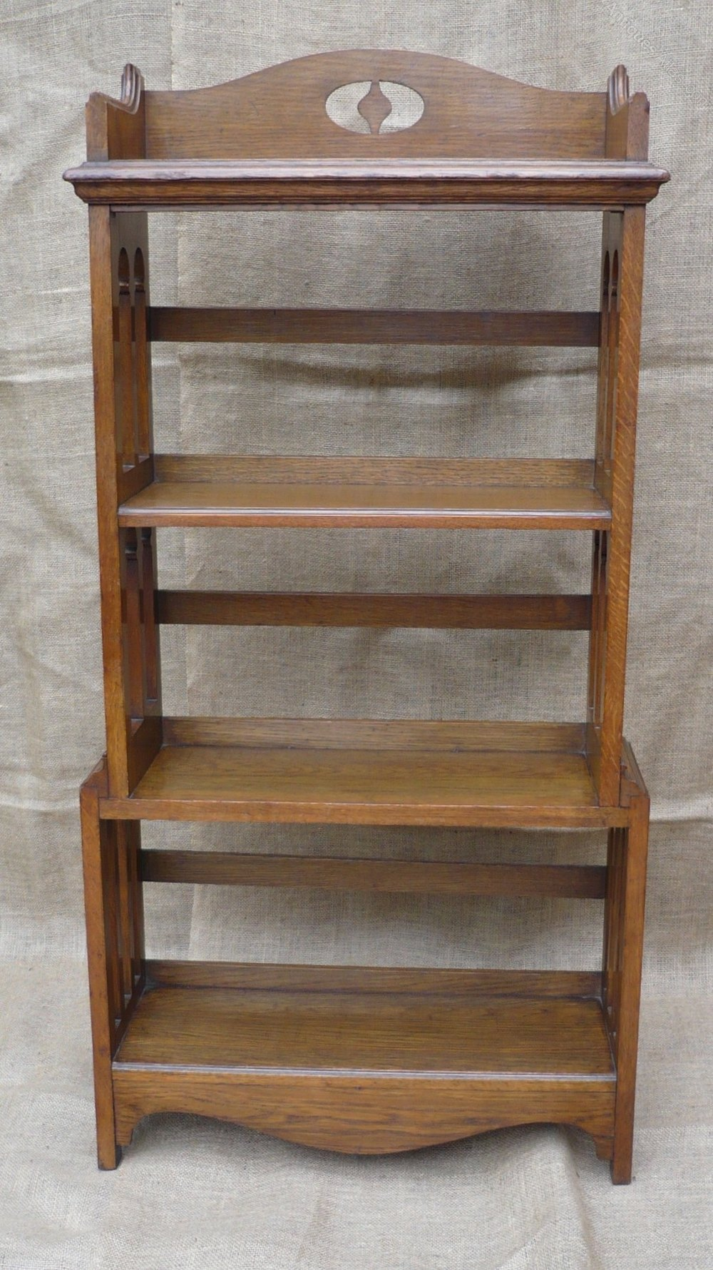 Arts and crafts bookcase in oak antiques atlas for Arts and crafts bookshelf