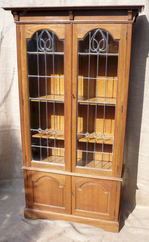 arts and crafts bookcase with leaded glass doors. Black Bedroom Furniture Sets. Home Design Ideas