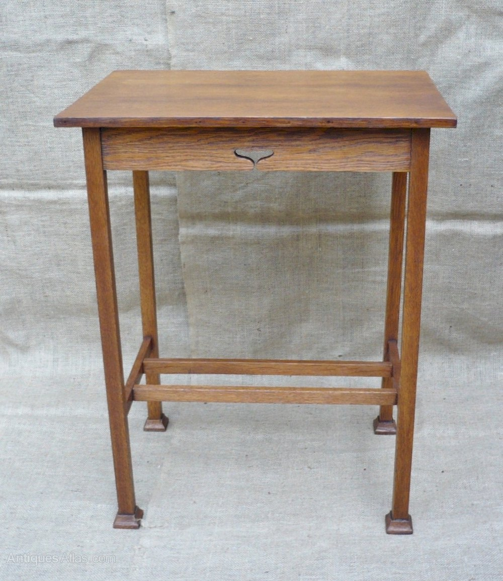 Arts and crafts side table in oak antiques atlas for Arts and crafts side table
