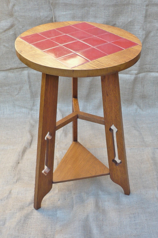 arts and crafts tiled top table antiques atlas. Black Bedroom Furniture Sets. Home Design Ideas