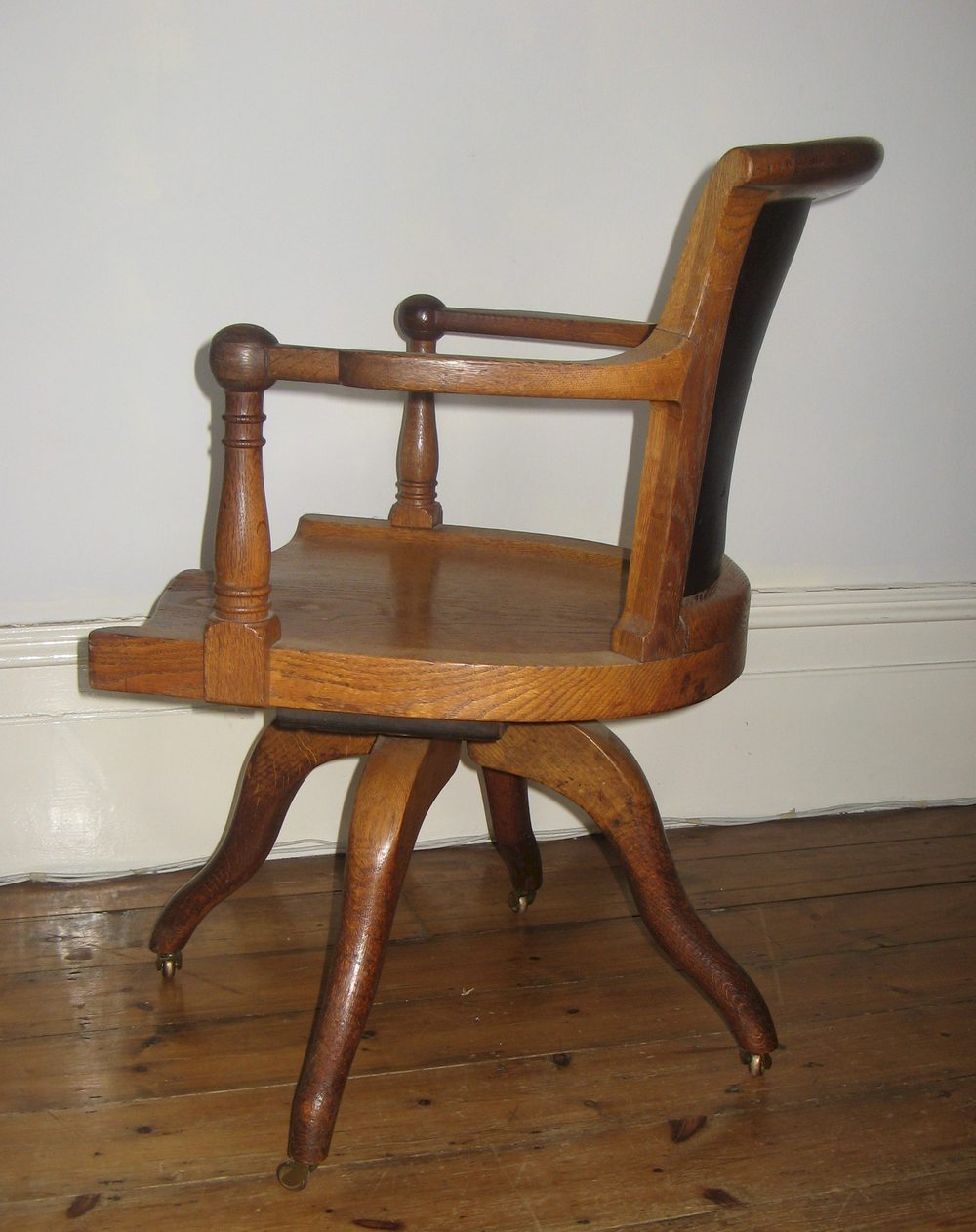 Edwardian oak swivel desk chair antiques atlas for Chair with swivel desk