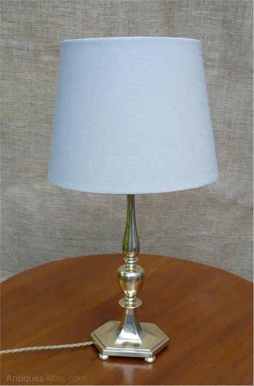 Strange Antiques Atlas Quality Table Lamp In Brass Wiring 101 Bdelwellnesstrialsorg