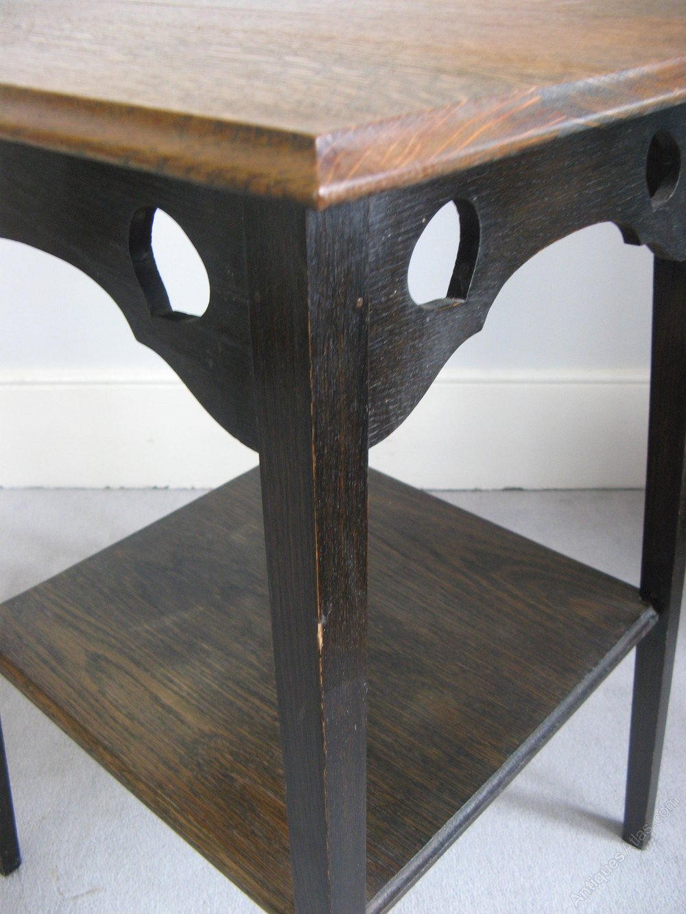Arts and crafts oak side lamp table with hearts for Arts and crafts side table