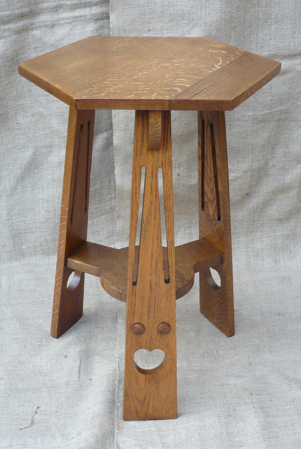 Small arts and crafts side table in oak antiques atlas for Arts and craft tables