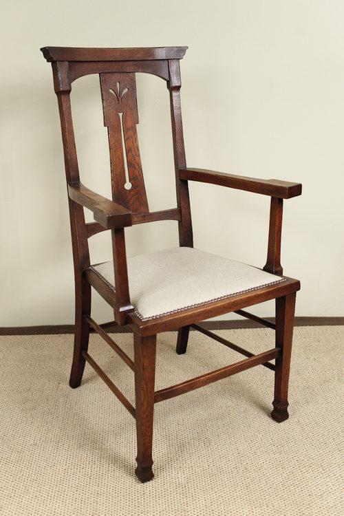 Pair Of Arts u0026 Craft Oak Carver Chairs - Antiques Atlas