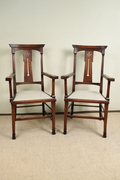 Pair of Arts & Craft Oak Carver Chairs Antique ... - Pair Of Arts & Craft Oak Carver Chairs - Antiques Atlas
