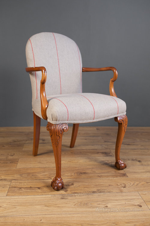 Queen Anne Style Armchair - Antiques Atlas