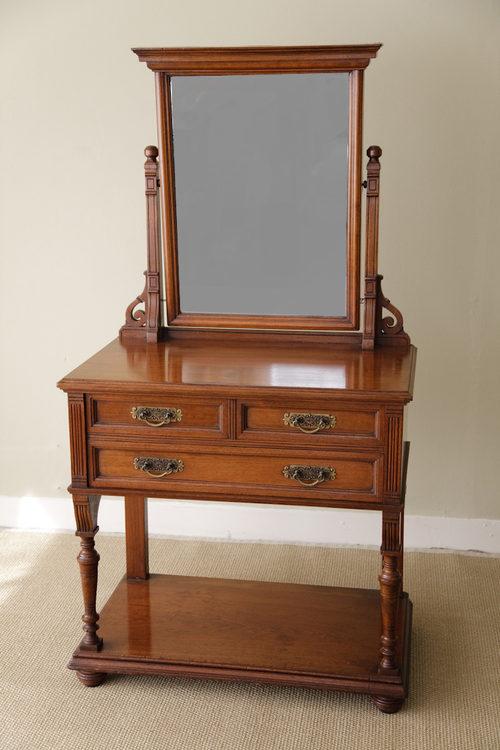 Scottish edwardian walnut dressing table antiques atlas for Walnut dressing table