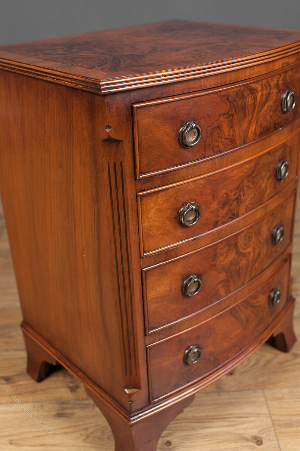 Small Bow Front Walnut Chest Of Drawers Antiques Atlas