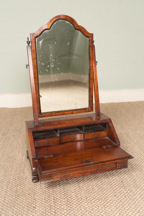 Antiques atlas walnut bureau toilet mirror for Bureau with mirror
