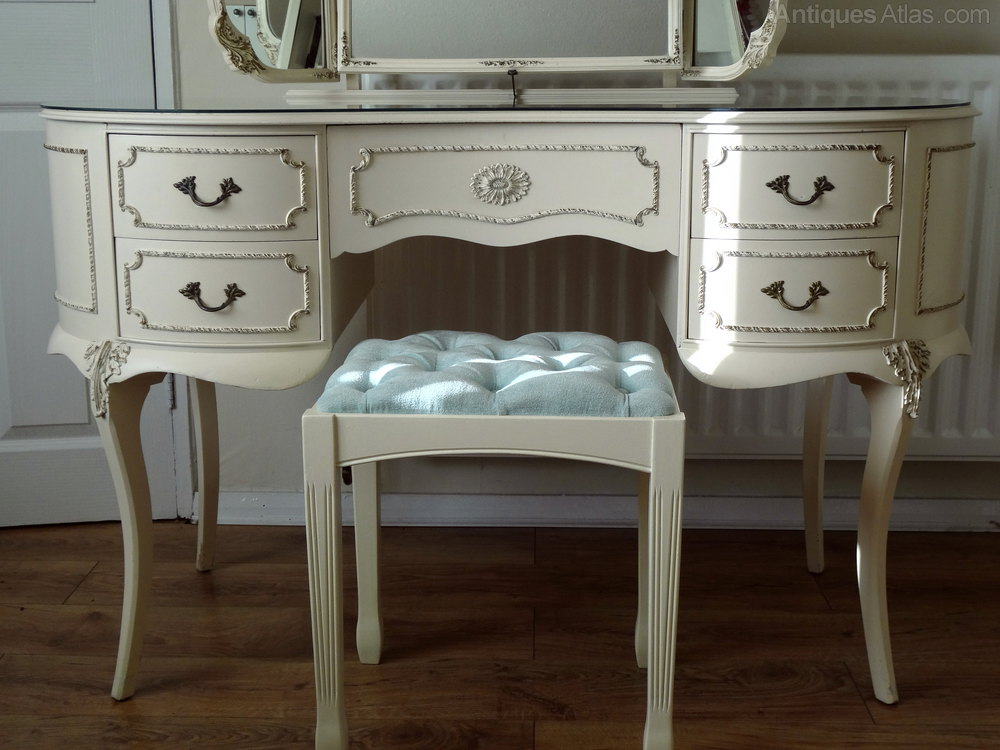 Antiques atlas french louis dressing table stool for Vanity dressing table