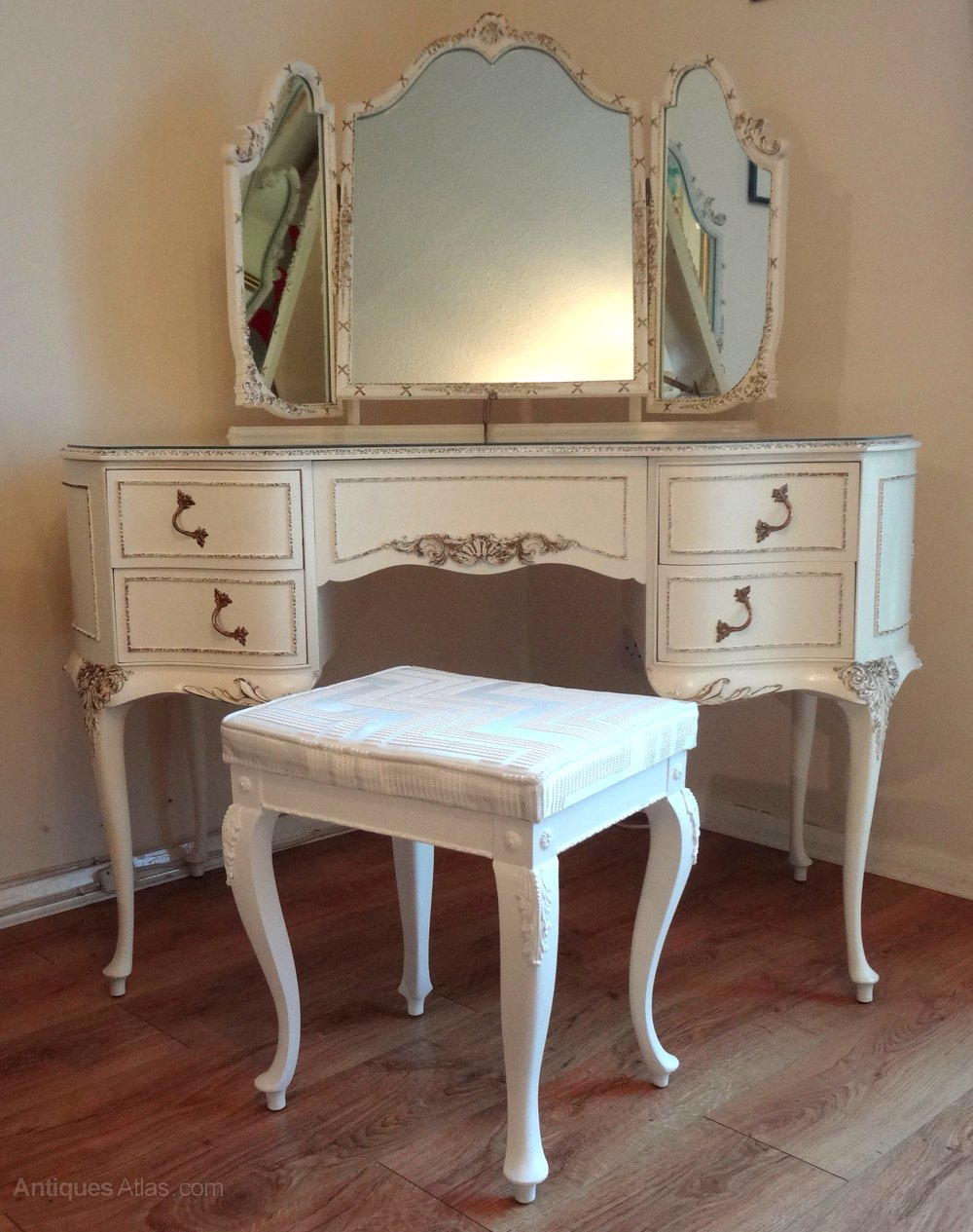 Antiques atlas louis dressing table - French Painted Dressing Table Stool