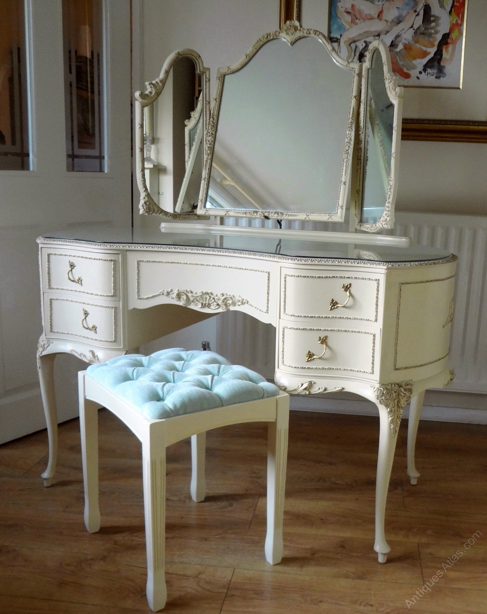 Antiques atlas french louis dressing table for Vanity dressing table