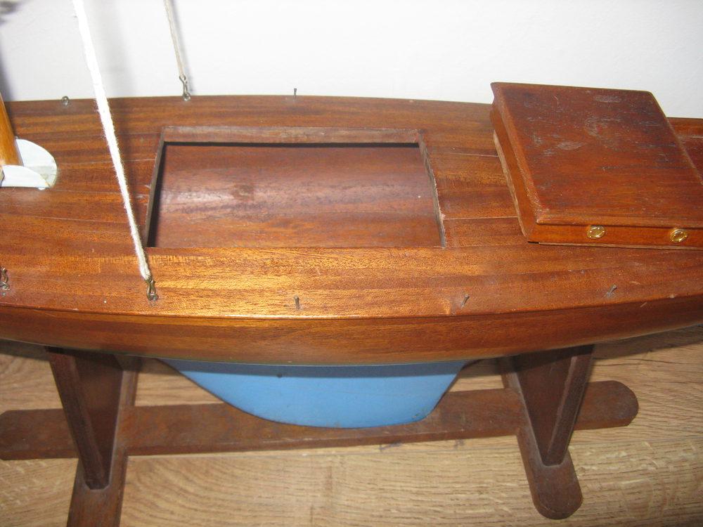 Antiques atlas vintage pond yacht for Pond dealers