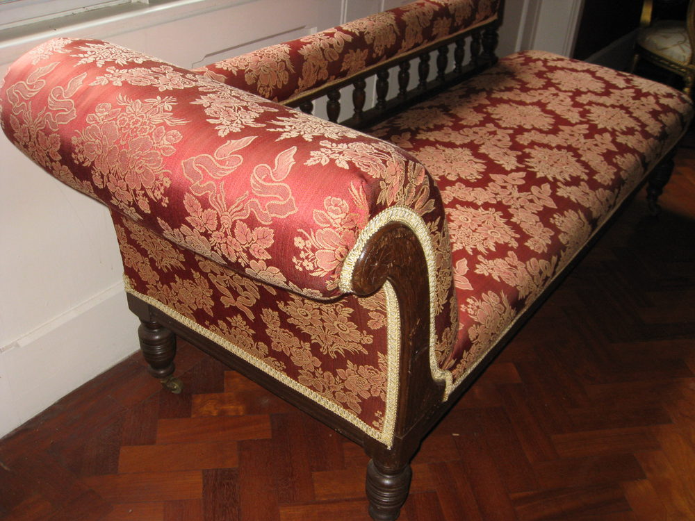 Chaise longue antiques atlas for Chaise longue for sale uk