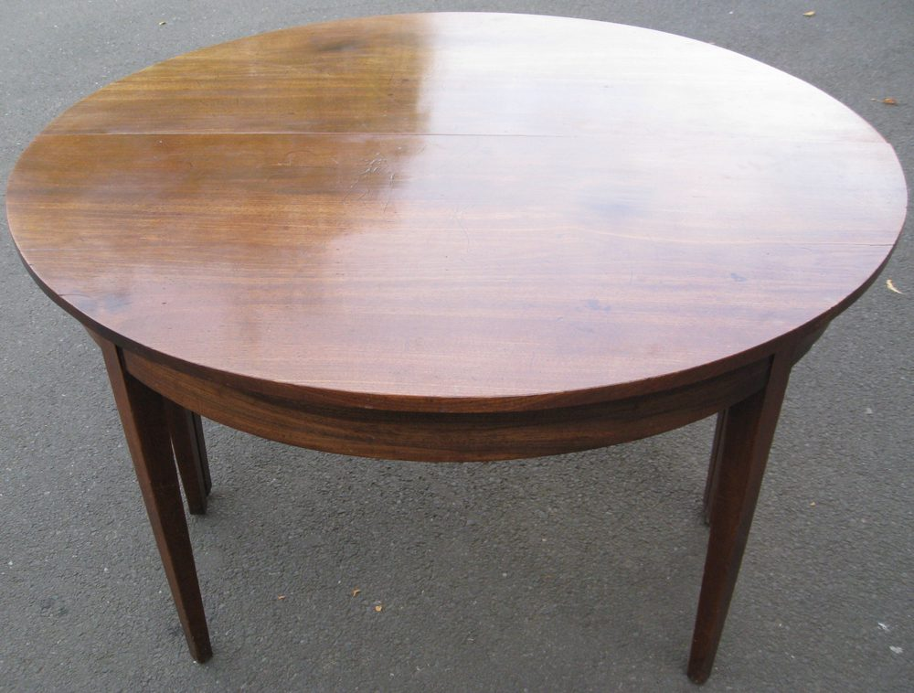 LARGE GEORGIAN MAHOGANY DINING TABLE Antiques Atlas : LARGEGEORGIANMAHOGANYDININGas136a142z 5 from www.antiques-atlas.com size 1000 x 758 jpeg 104kB