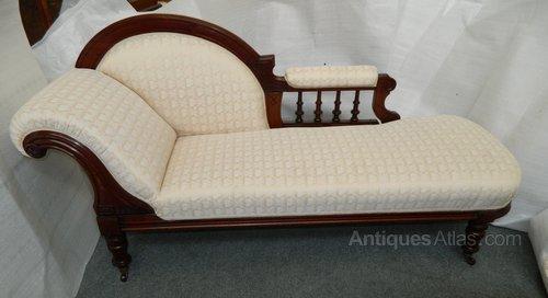 Chaise longue antiques atlas for Chaise longues for sale uk