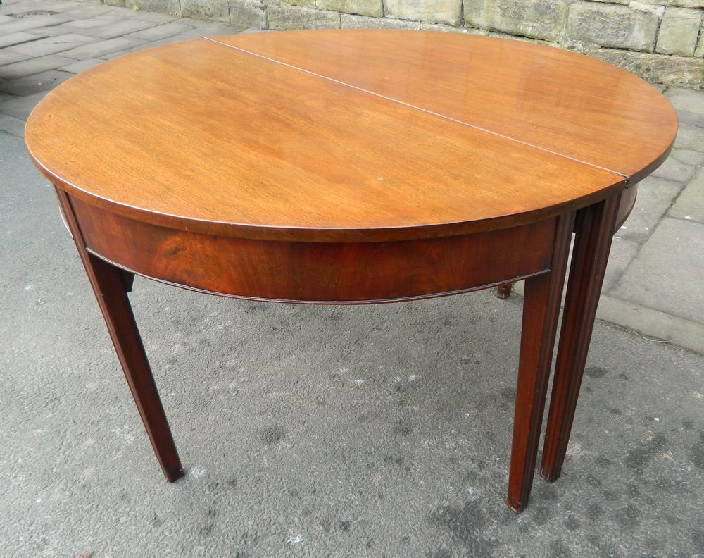 mahogany dining table antique