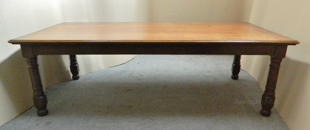 Large oak kitchen table dining table antiques atlas for Good quality dining tables